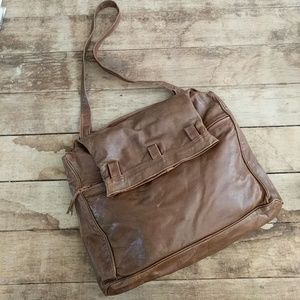Brown leather tote | square